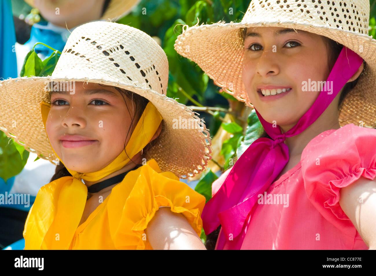 Costa Rica niñas durante el desfile de Independencia Imagen De Stock