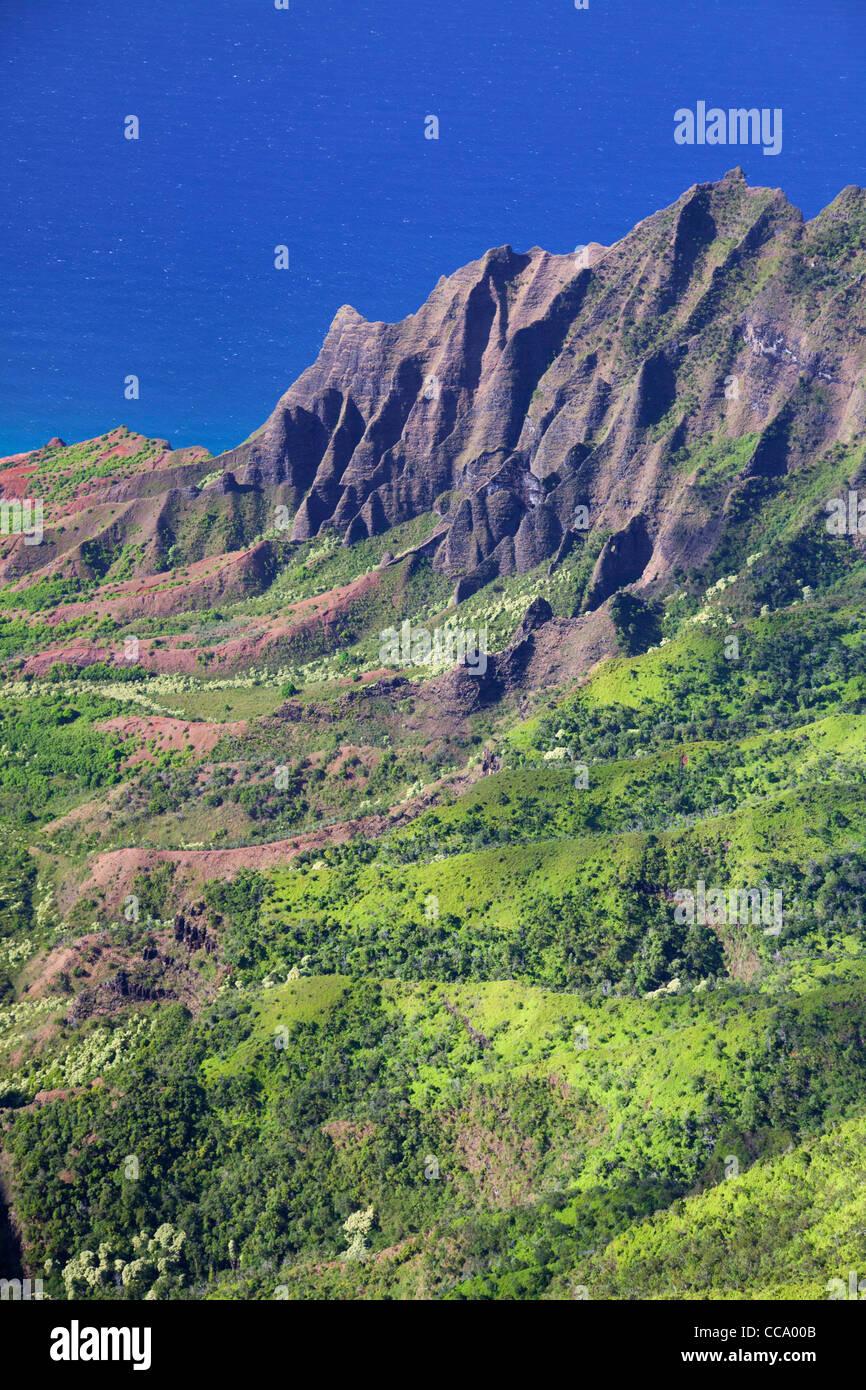 Antena de Costa Na Pali y el Valle Kalalau, Kauai, Hawai. Foto de stock