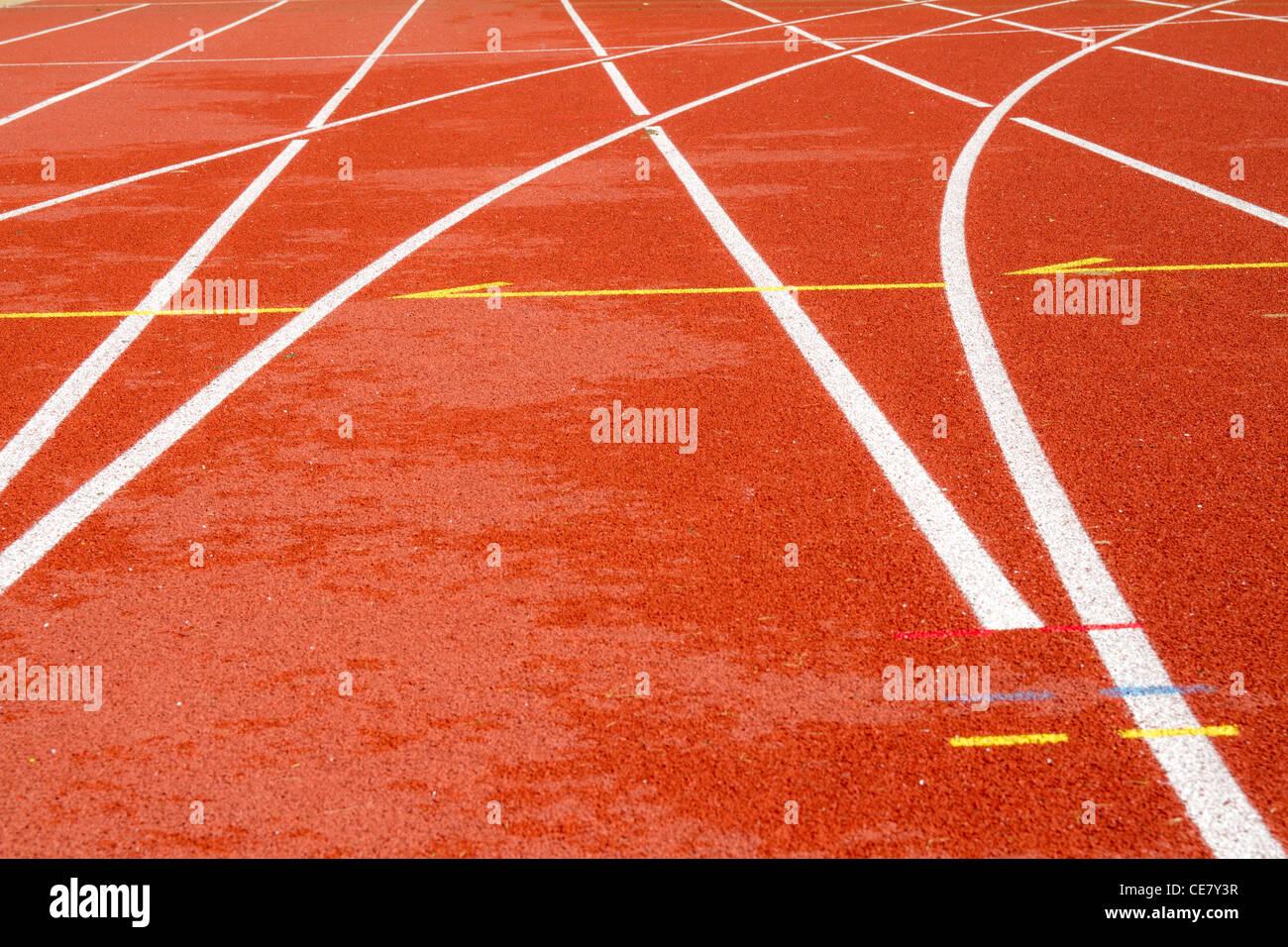 Pista de Atletismo de tartán en un estadio Imagen De Stock