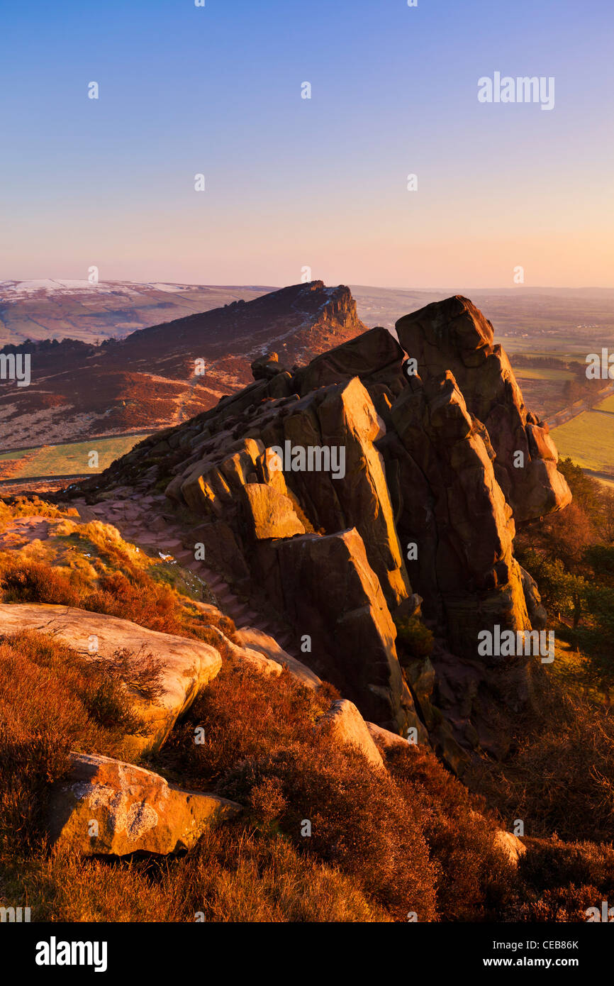 Atardecer en las cucarachas Staffordshire Peak District National Park Inglaterra GB Europa UE Foto de stock