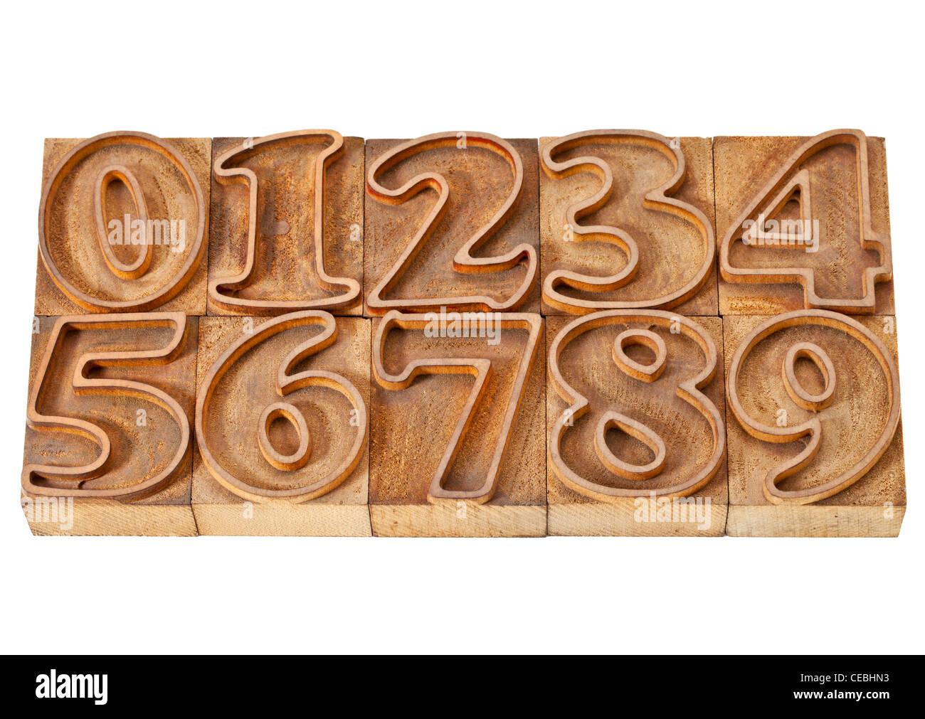 Diez números de cero a nueve en aislados de madera vintage tipografía esbozado bloques de impresión Imagen De Stock