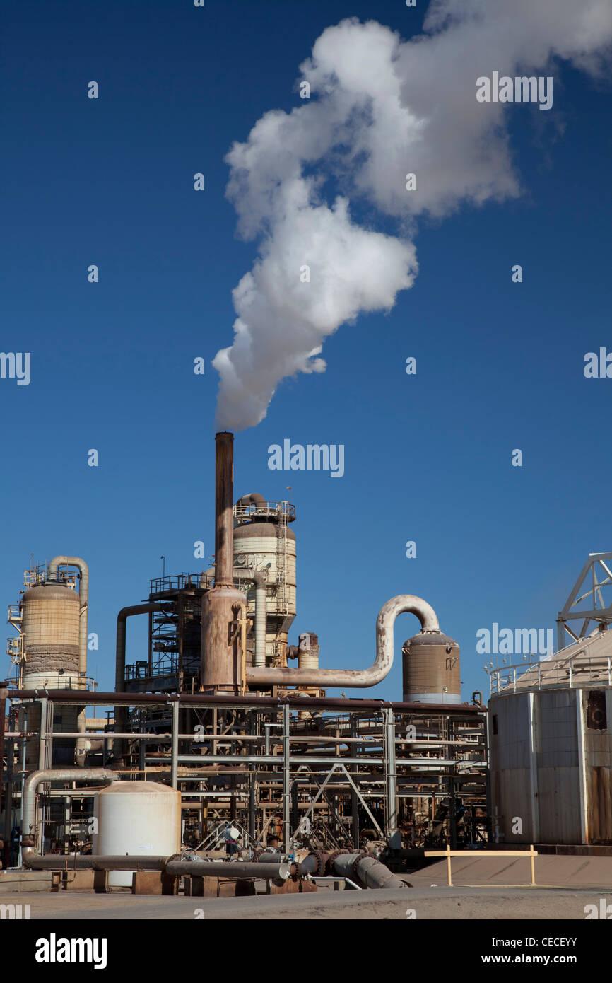 Calipatria, California - una planta de energía geotérmica operado por CalEnergy Imperial Valley en California. Imagen De Stock