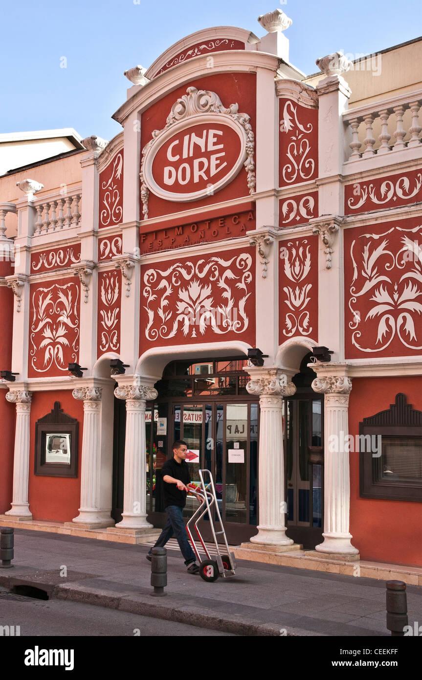 La Filmoteca Nacional, originalmente el Cine Doré, el cine más antiguo de Madrid circa 1922. Lavapiés, Imagen De Stock
