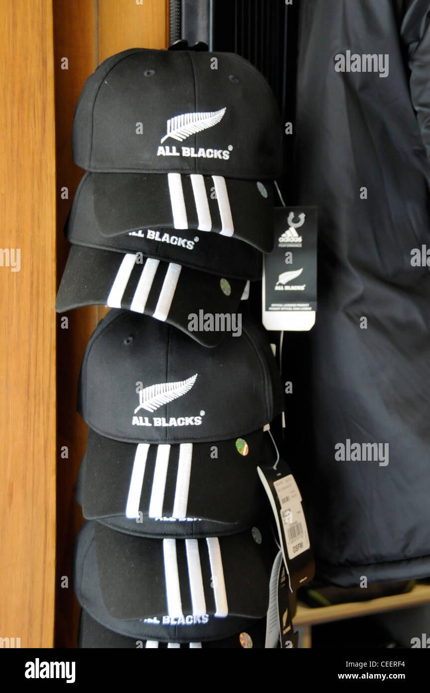 Todo negro de rugby gorras de béisbol en venta en Christchurch, Nueva Zelanda Imagen De Stock