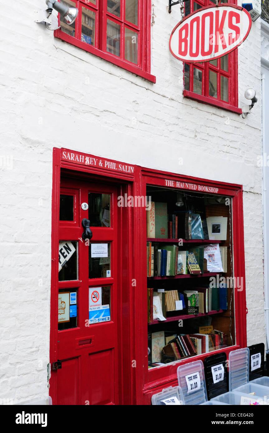 El Haunted Bookshop, St Edwards pasaje, Cambridge, Inglaterra, Reino Unido. Imagen De Stock
