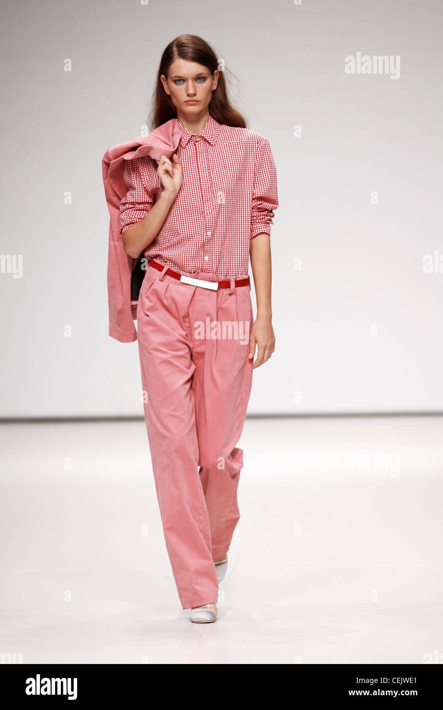 Baggy Suit Imágenes De Stock & Baggy Suit Fotos De Stock - Alamy
