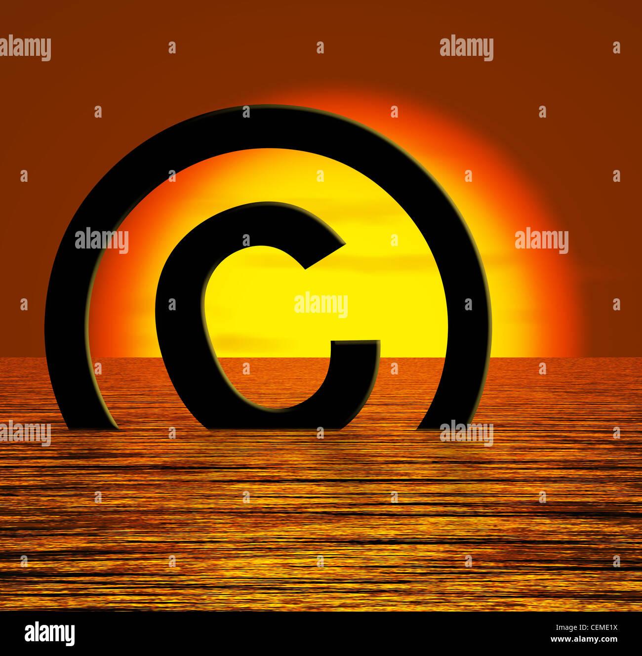 Símbolo de copyright naufragio significado la piratería o infracciones Foto de stock