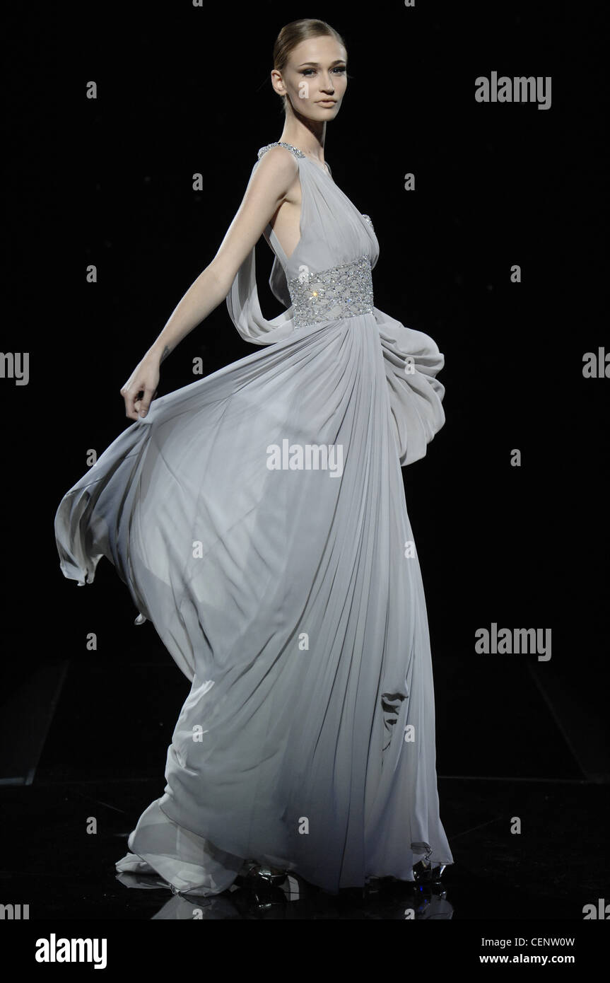 Elie Saab Dress Imágenes De Stock & Elie Saab Dress Fotos De Stock ...