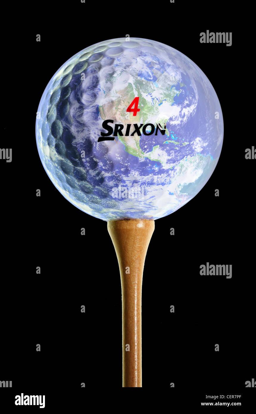 Pelota De Golf En T Con El Planeta Tierra Impuestas Sobre La Bola Srixon