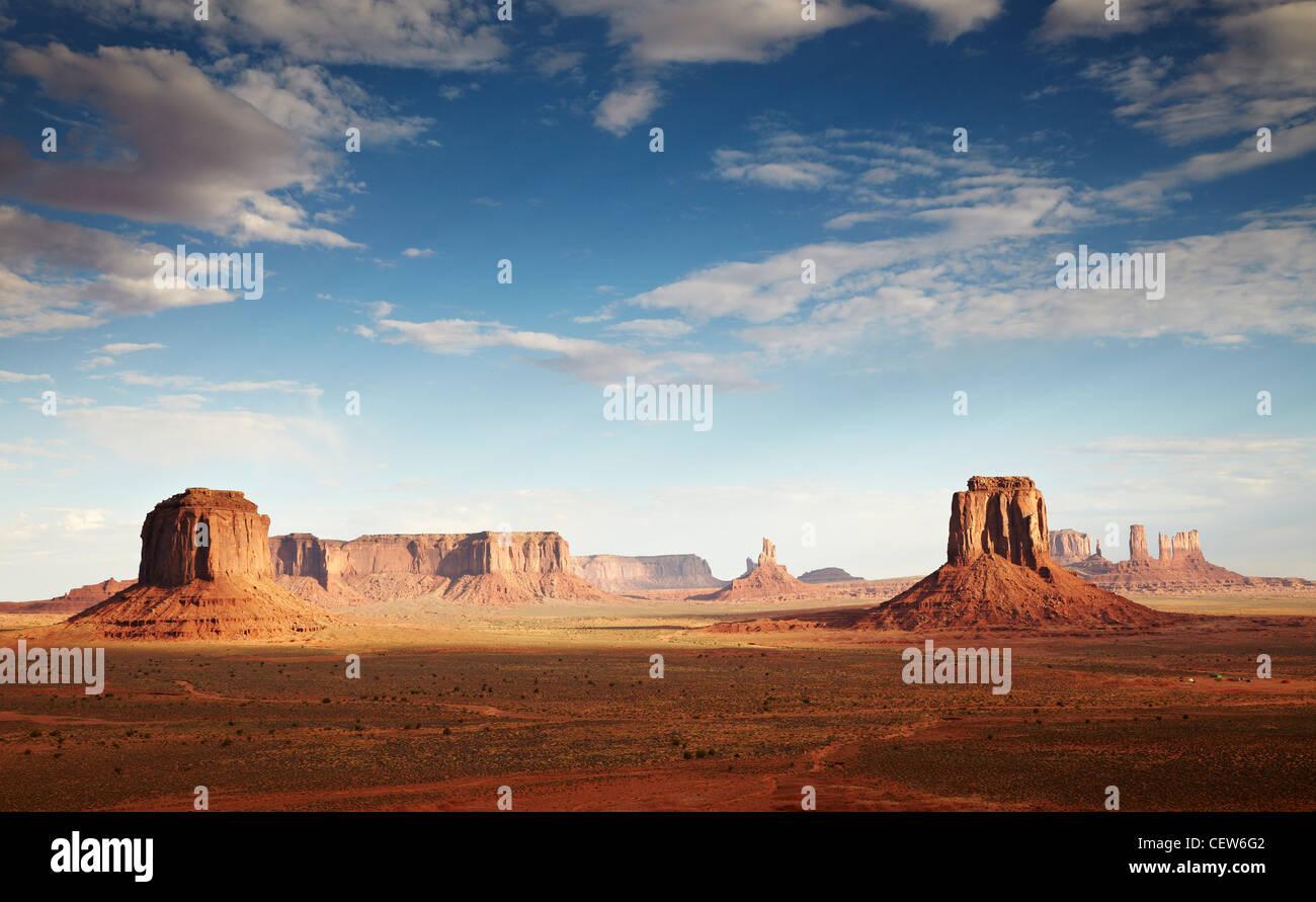 Temprano por la mañana en Monument Valley, Arizona, EE.UU. Imagen De Stock