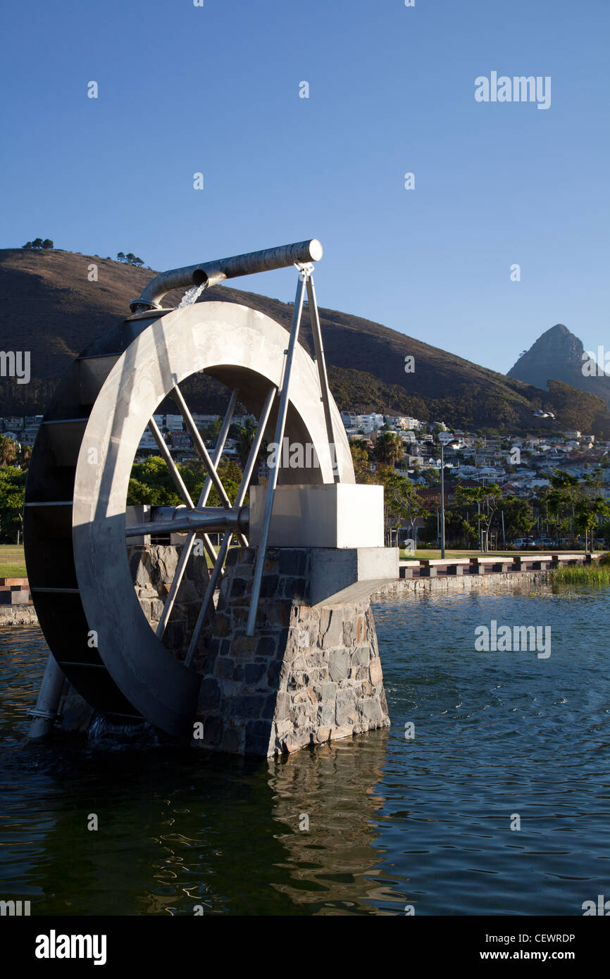Gran Rueda de Agua en el Estanque de Green Point Park - Cape Town Imagen De Stock
