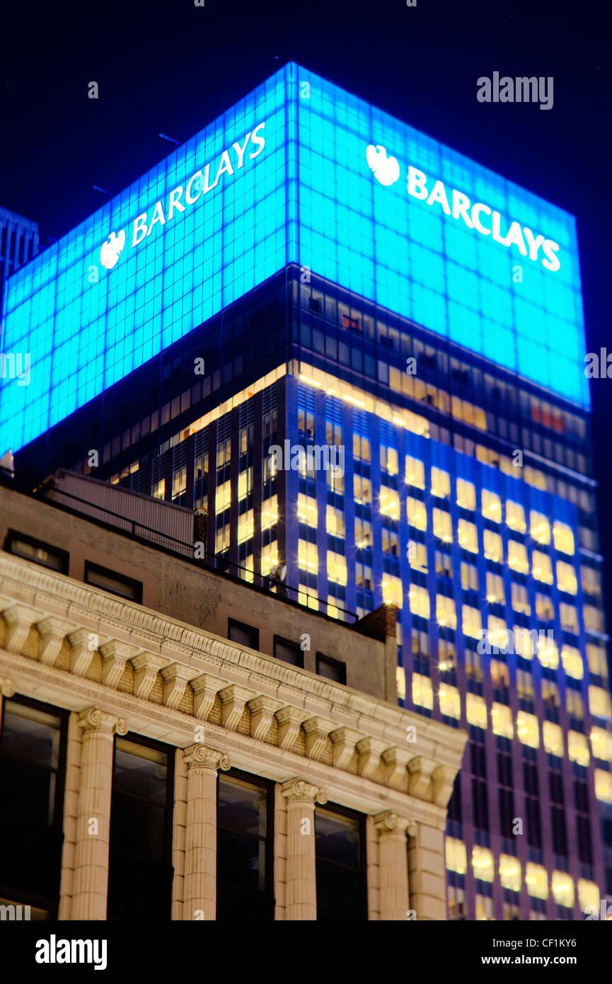 La vieja y nueva arquitectura en Manhattan, Nueva York, Estados Unidos de América Imagen De Stock