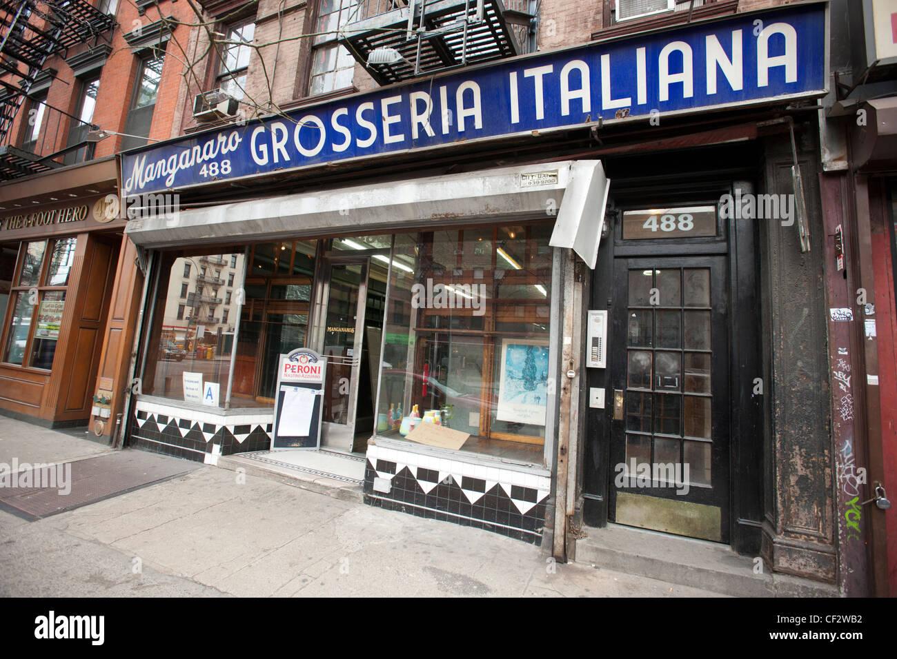 La Manganaro Grosseria Italiana en la Novena Avenida en el barrio de Hell's Kitchen, Nueva York Imagen De Stock
