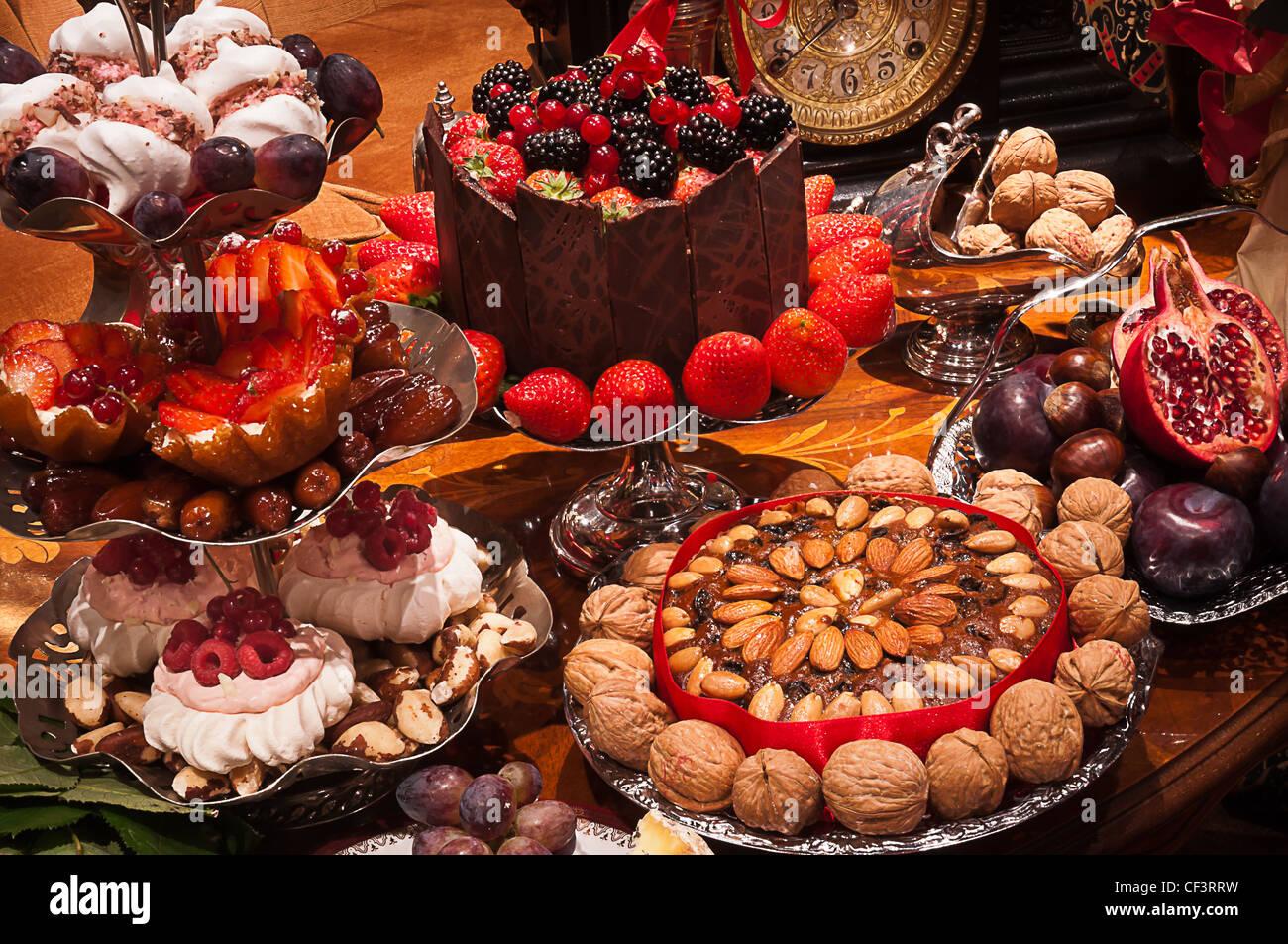 Una selección de pasteles Imagen De Stock
