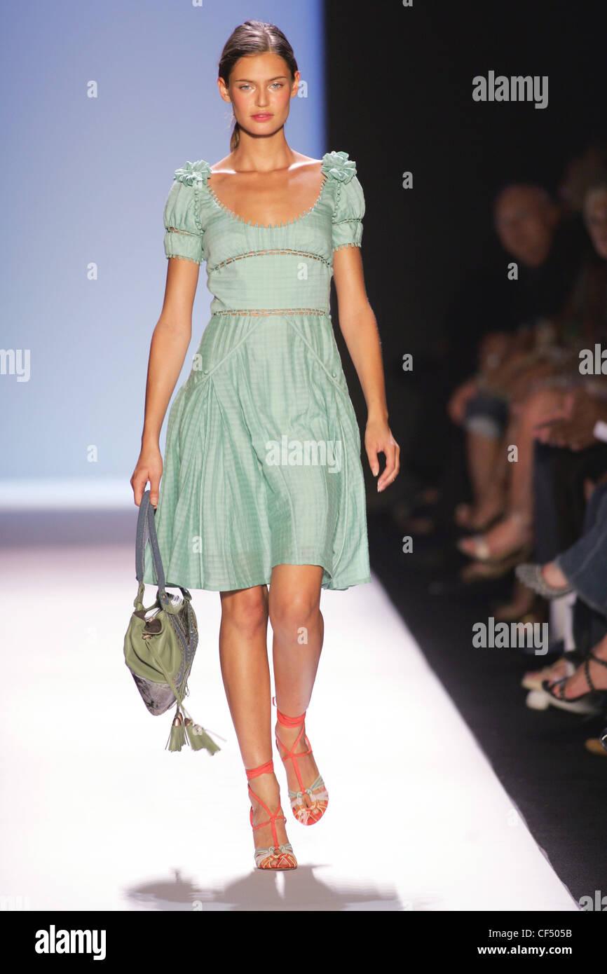 Modelos de vestidos verde menta