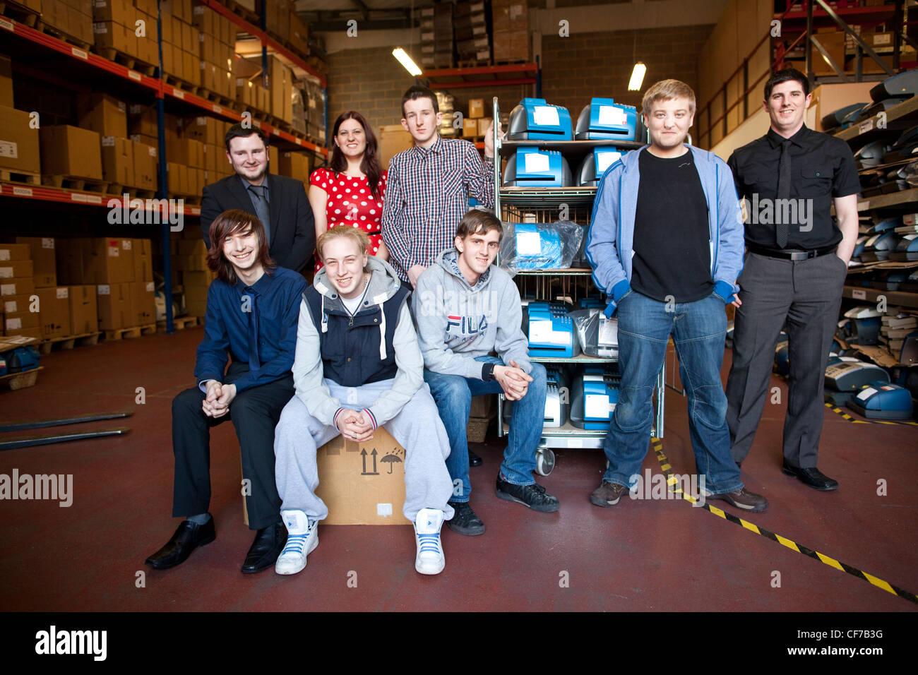 """18 -24 años sobre """"workfare"""" programa programa de experiencia laboral del Gobierno británico para dar a los jóvenes Foto de stock"""