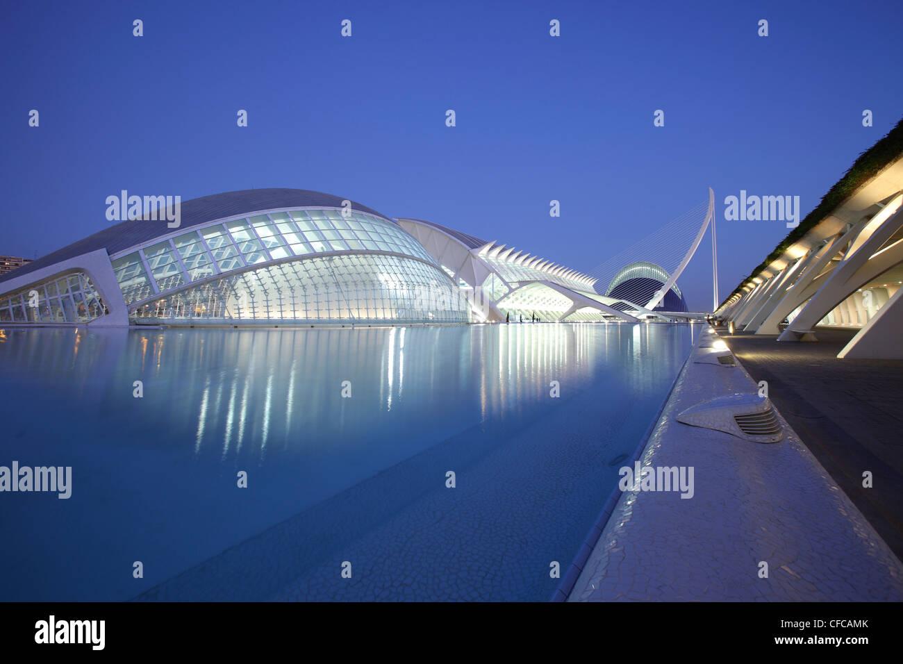 L'hemisférico, Museo de las Ciencias, Ágor Príncípe Felipe, el arquitecto Santiago Calatrava, Imagen De Stock