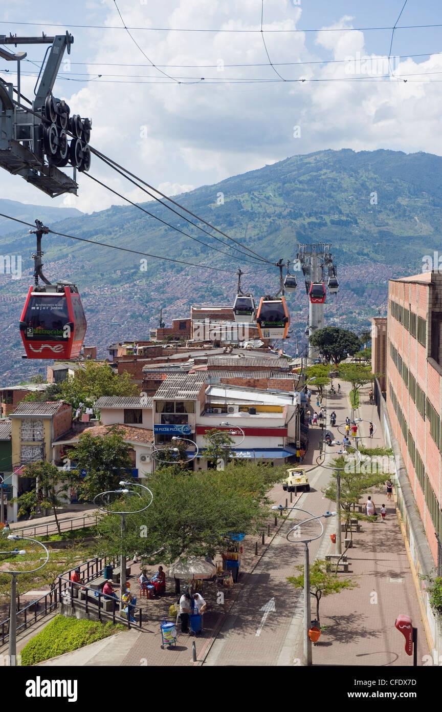 La góndola, Metrocable en Medellín, Colombia, Sur America Imagen De Stock