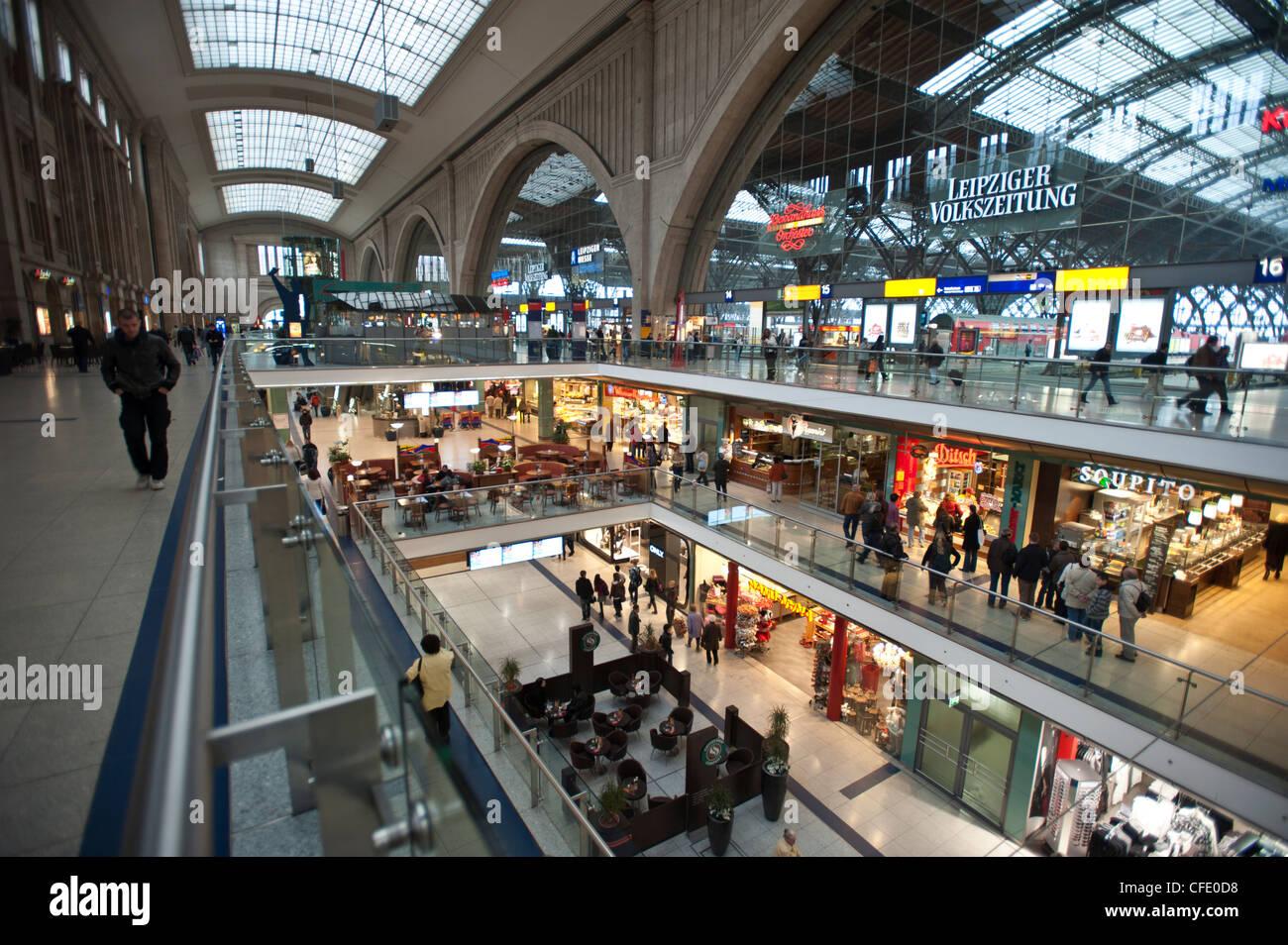 La Hauptbahnhof Leipzig, Sajonia, Alemania, Europa Foto de stock