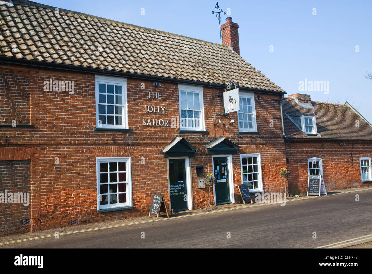 El pub Jolly Sailor Orford Suffolk Inglaterra Foto de stock