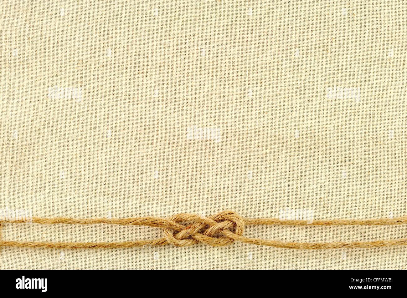 Marco de cuerdas con una tela de arpillera Foto & Imagen De Stock ...