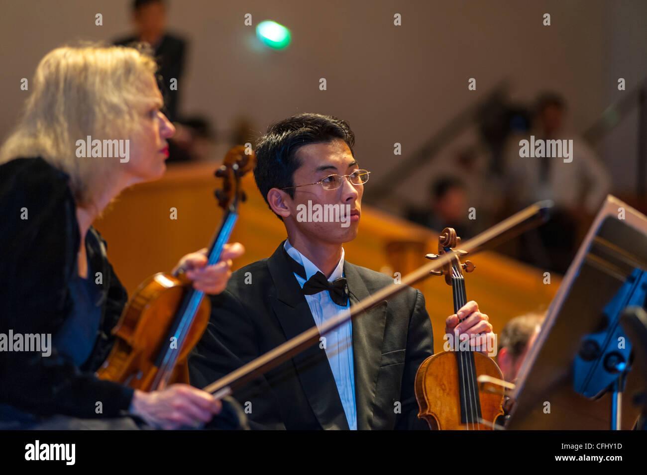 Resultado de imagen de orquesta sinfonica multicultural
