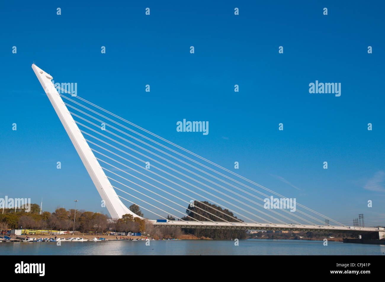 Puente del Alamillo puente (1992) por Santiago Calatrava, el centro de Sevilla Andalucía España Imagen De Stock