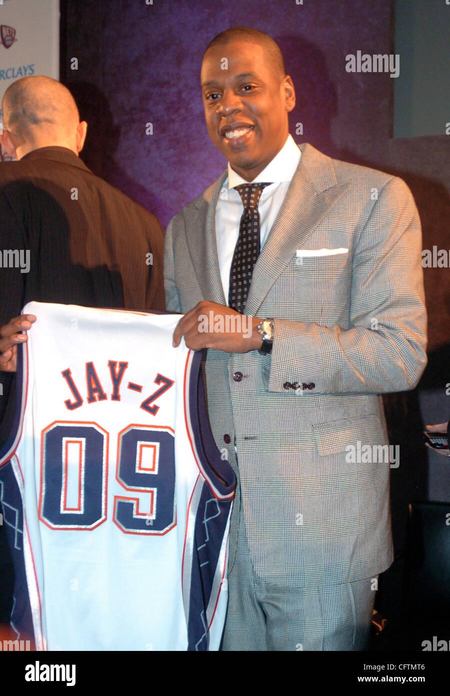 the latest f52ad 899ac Jay-Z, cuyo nombre real es Shawn Carter, Presidente y CEO de ...