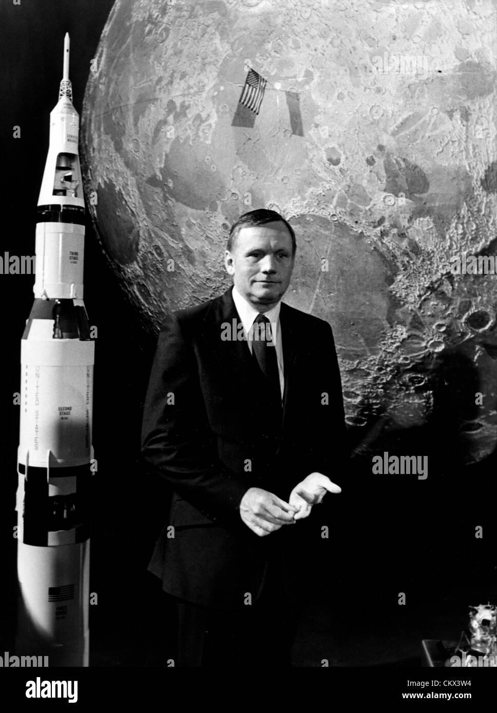 Julio 21, 1979 - París, Francia - El primer hombre en la luna, Neil Armstrong estaba respondiendo a todas las preguntas Foto de stock