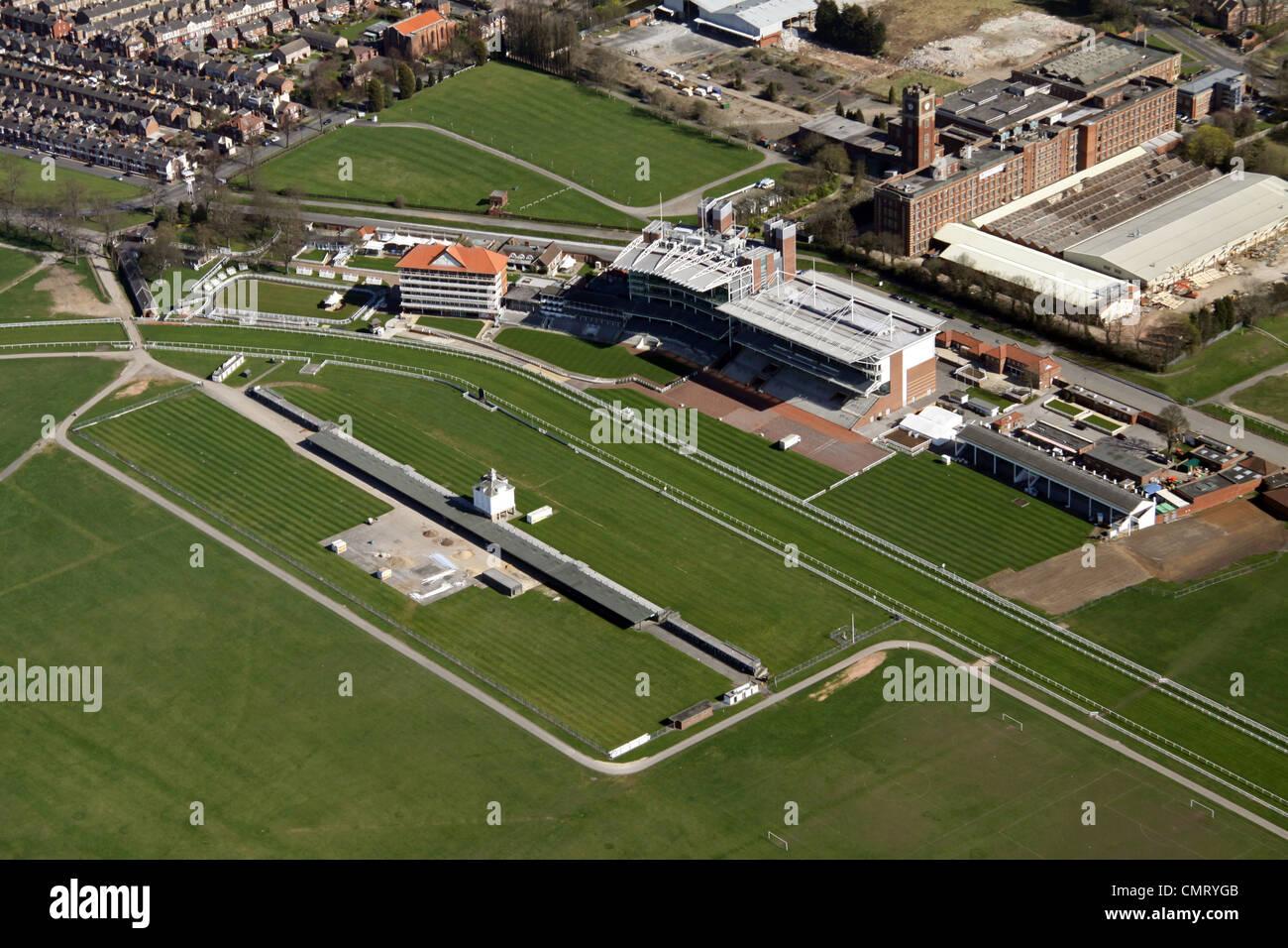 Vista aérea de la tribuna y Paddock en York Racecourse Imagen De Stock