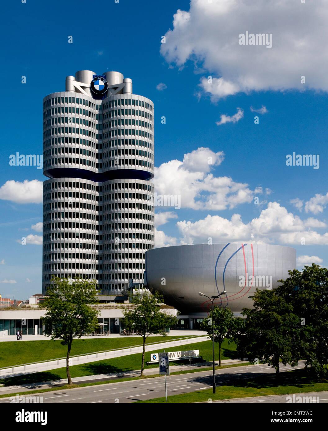 Olympiapark, museo de BMW en Munich, Alemania Imagen De Stock