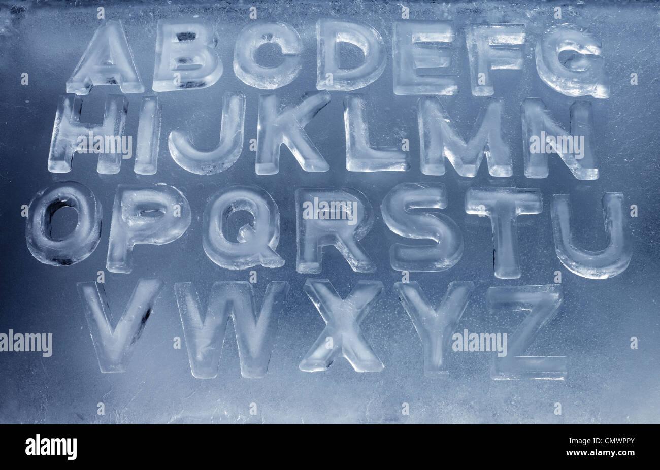 Alfabeto de letras de hielo real. Imagen De Stock