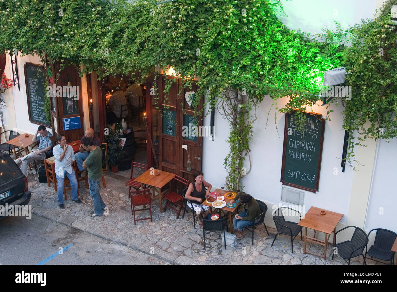 España, Baleares, la isla de Ibiza bar de tapas Foto de stock