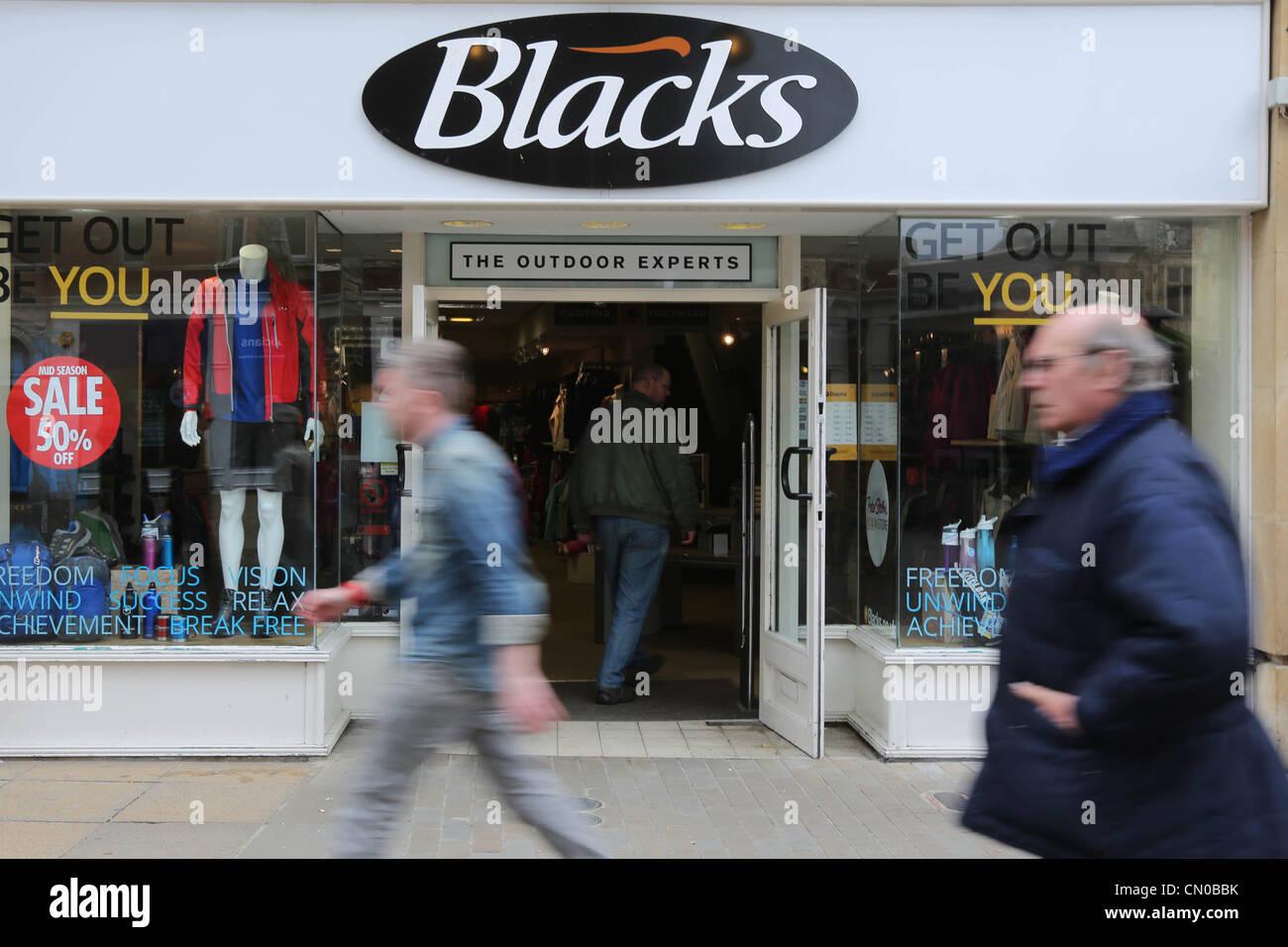 Los negros tienda de ropa exterior Imagen De Stock