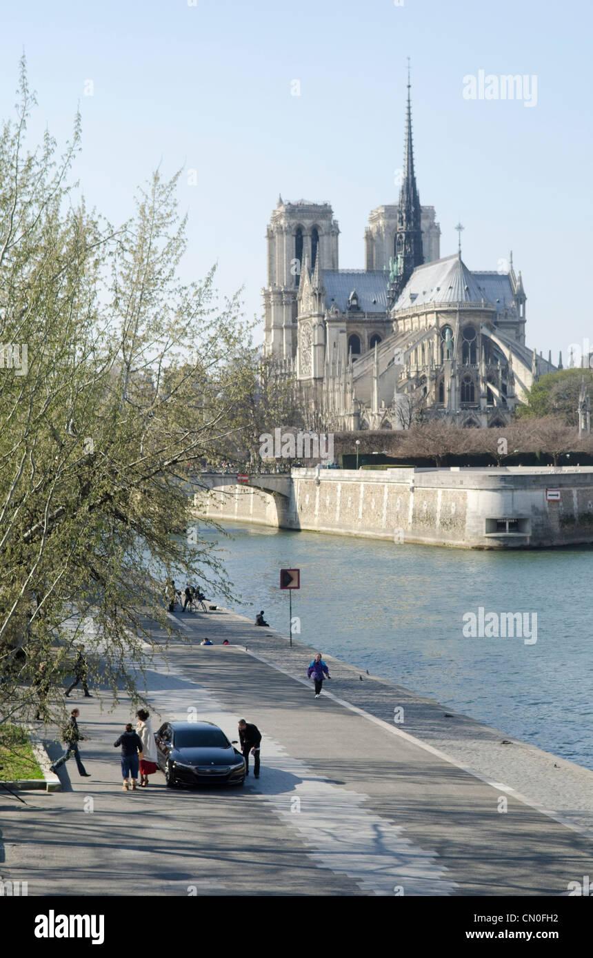 Citroën concept car en las orillas del río Sena en París. Inauguración oficial prevista en Beijing Imagen De Stock