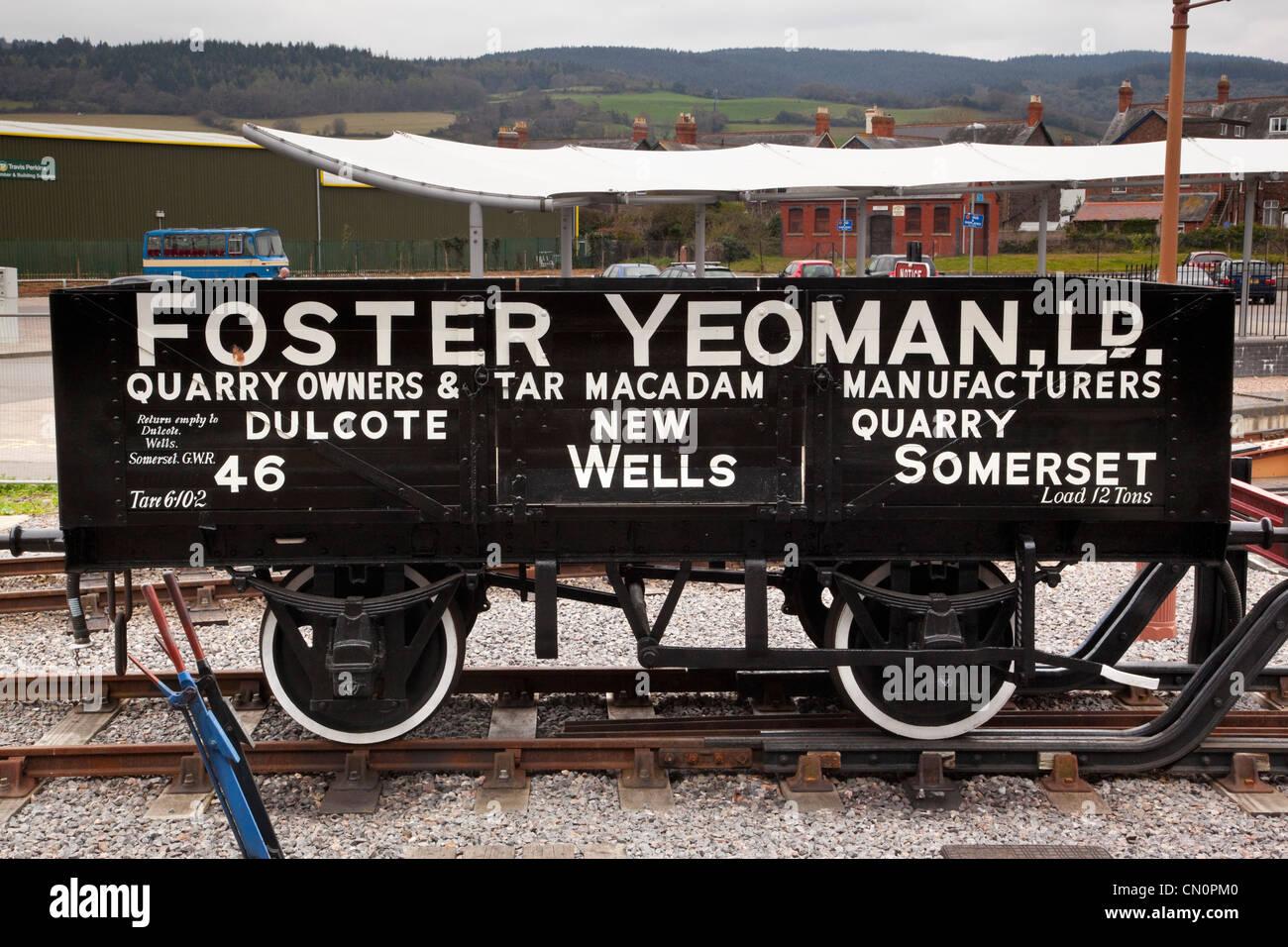 Foster Yeoman agregado y Tar vagón GWR en West Somerset Railway, Minehead. UK Imagen De Stock