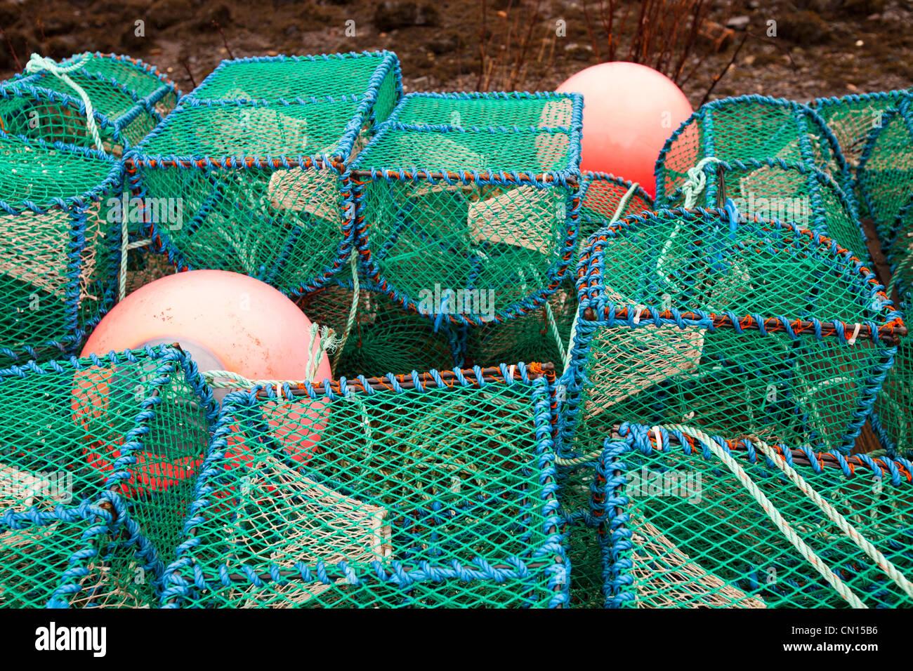 Pots o creels langosta en el puerto en Portnalong, Isla de Skye, Escocia, Reino Unido. Foto de stock