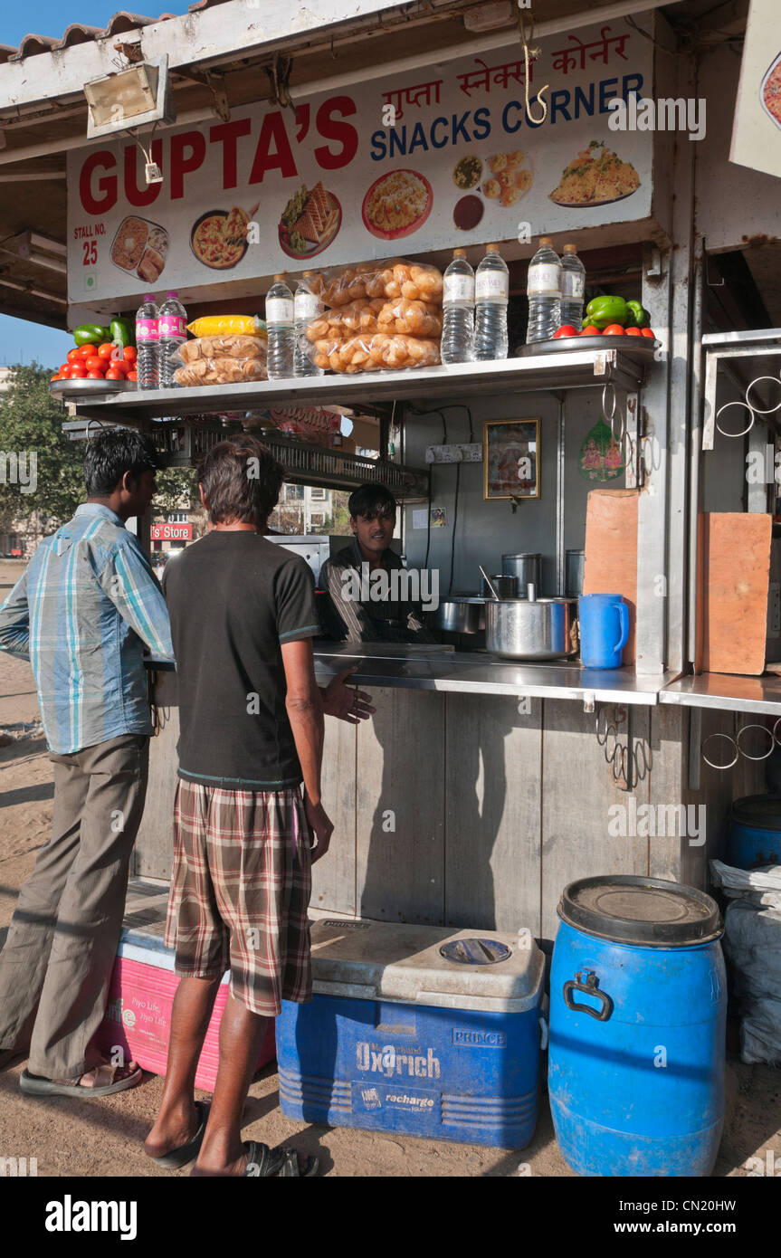 Snack cale Chowpatty Beach Bombay Bombay India Imagen De Stock