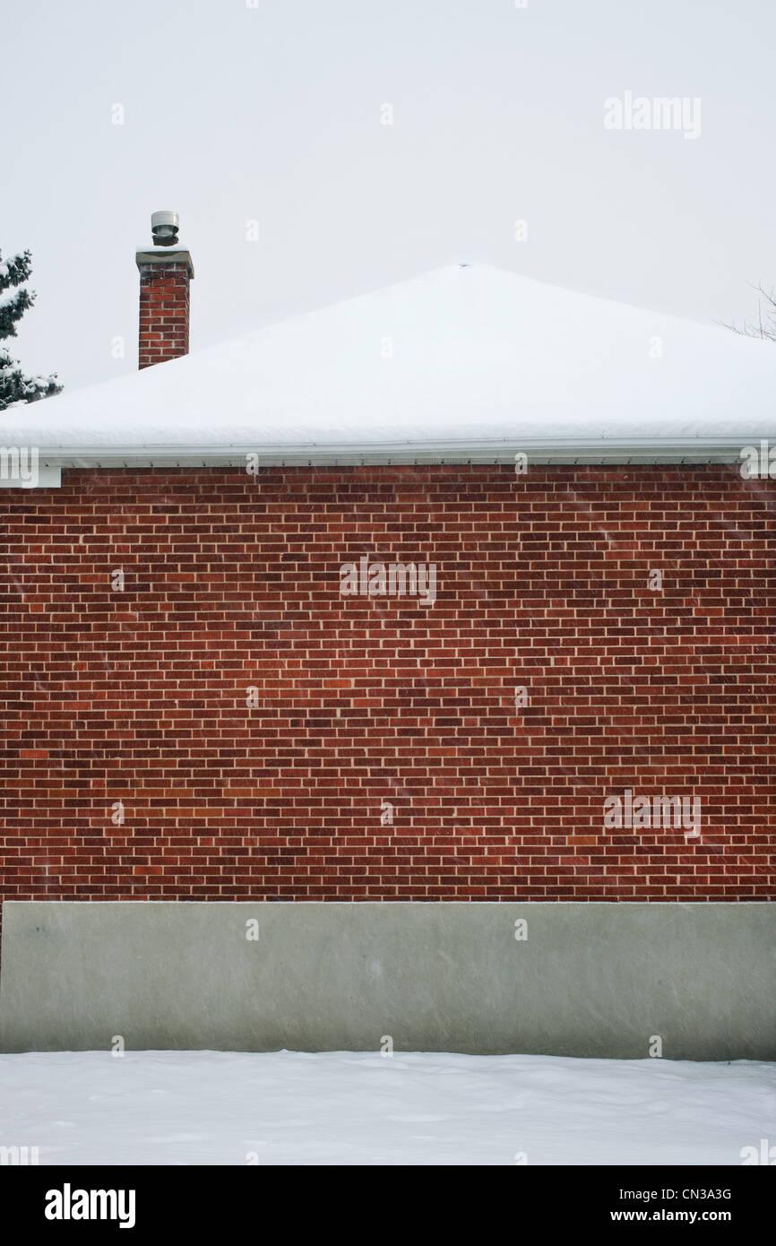La nieve en una casa Imagen De Stock