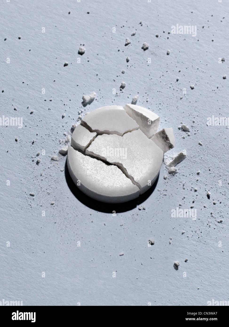 Roto y resquebrajado tableta, Foto de estudio Imagen De Stock