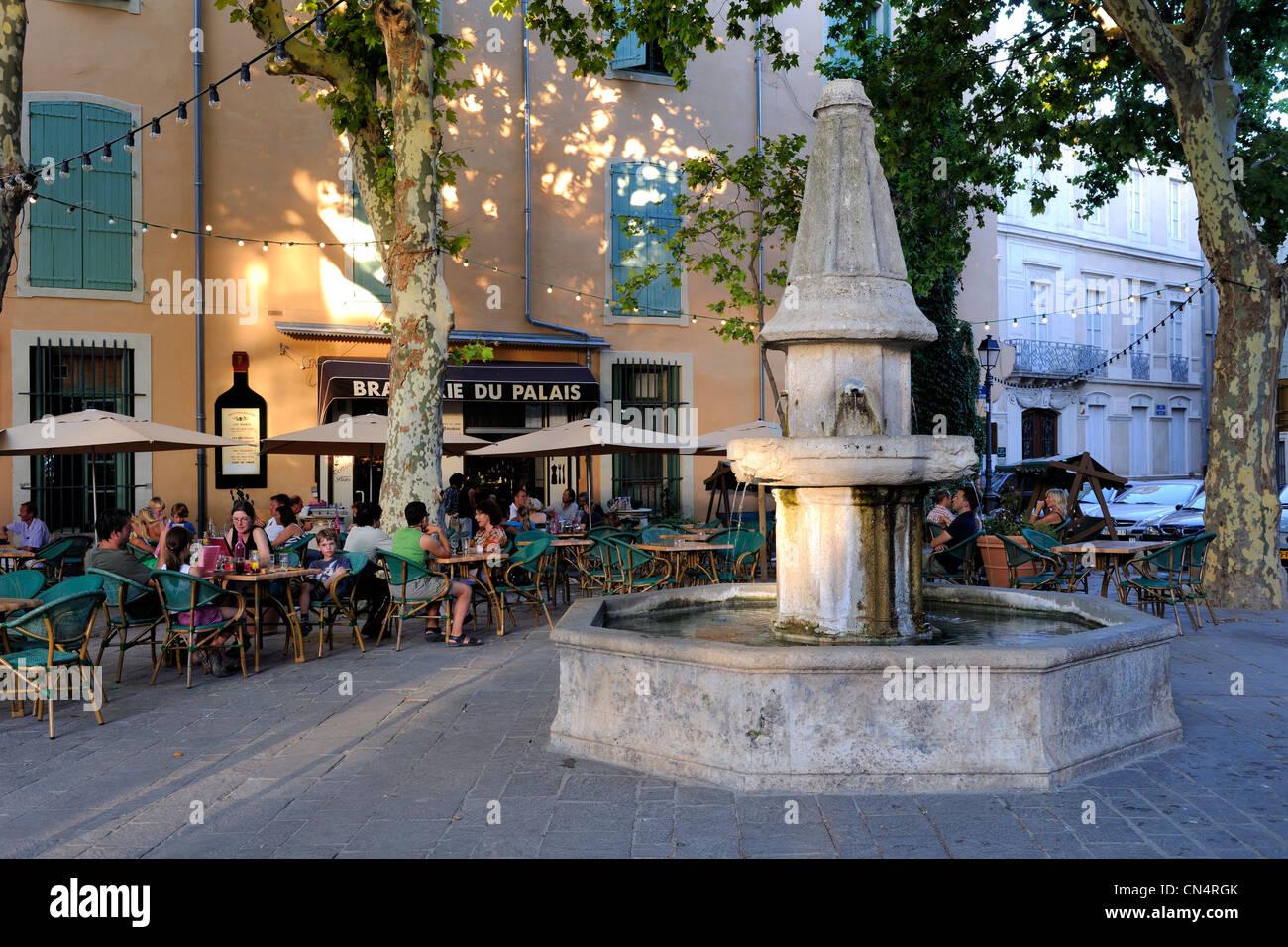Francia Herault Beziers Cafetería Con Terraza En La Plaza