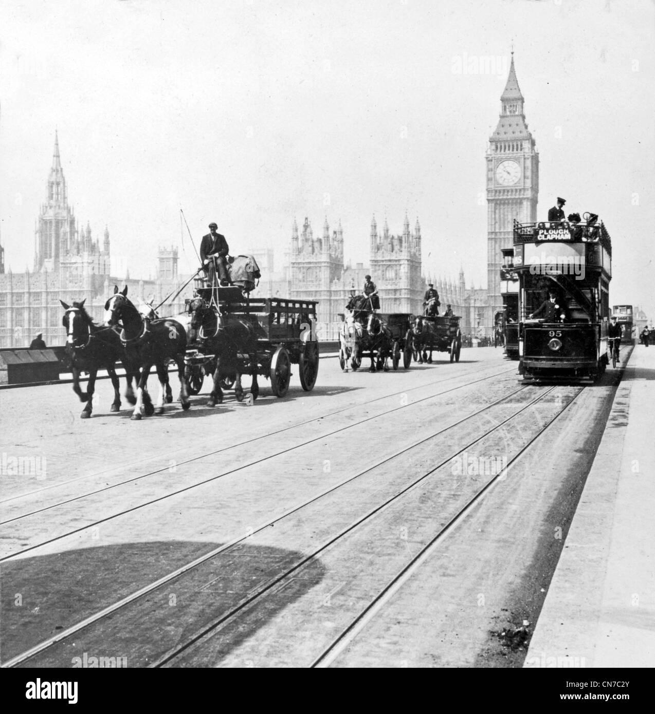 El puente de Westminster y las Casas del Parlamento, Londres, Inglaterra Foto de stock