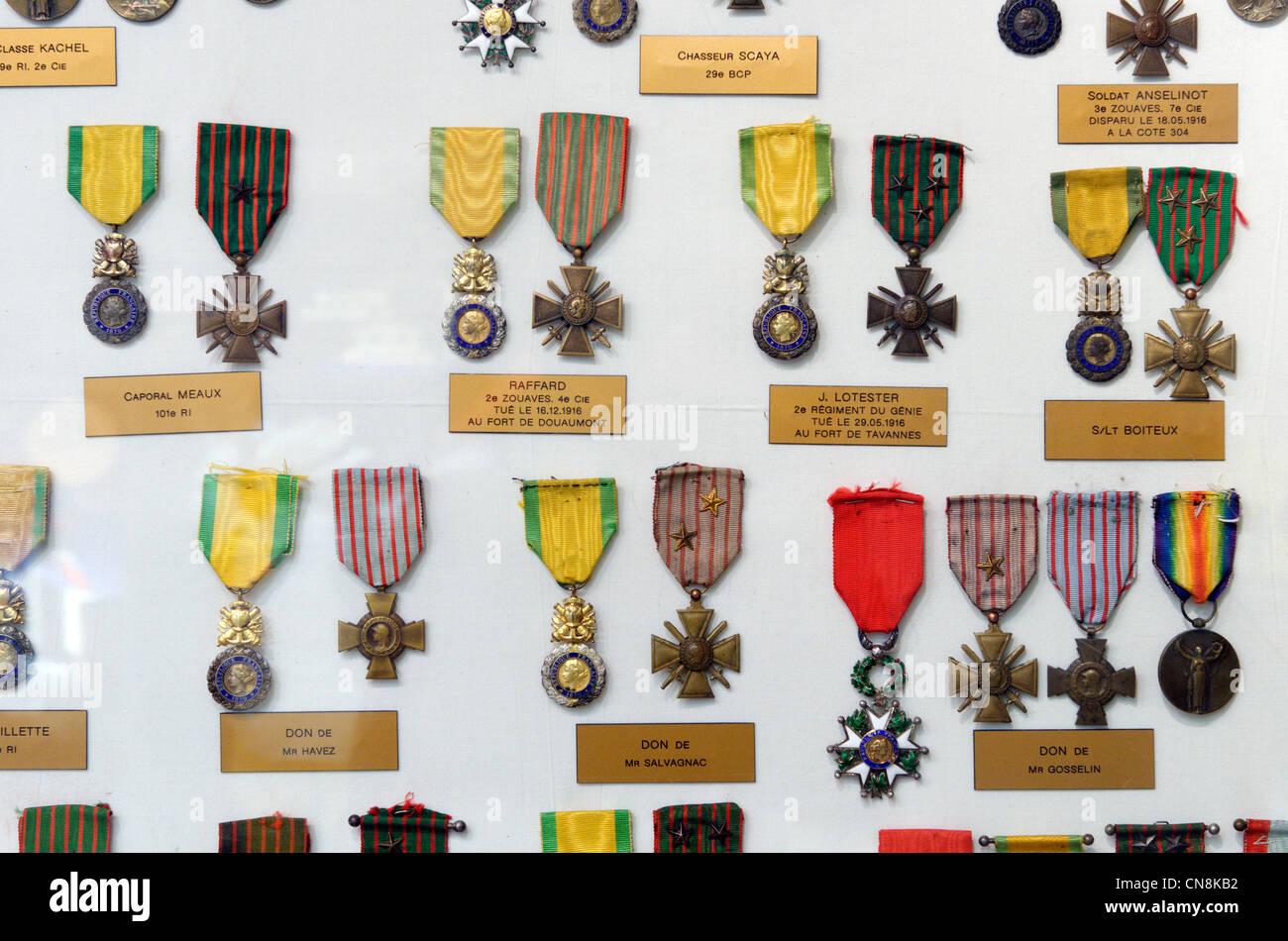 Francia, el Mosa, Fleury devant Douaumont, medallas militares Imagen De Stock