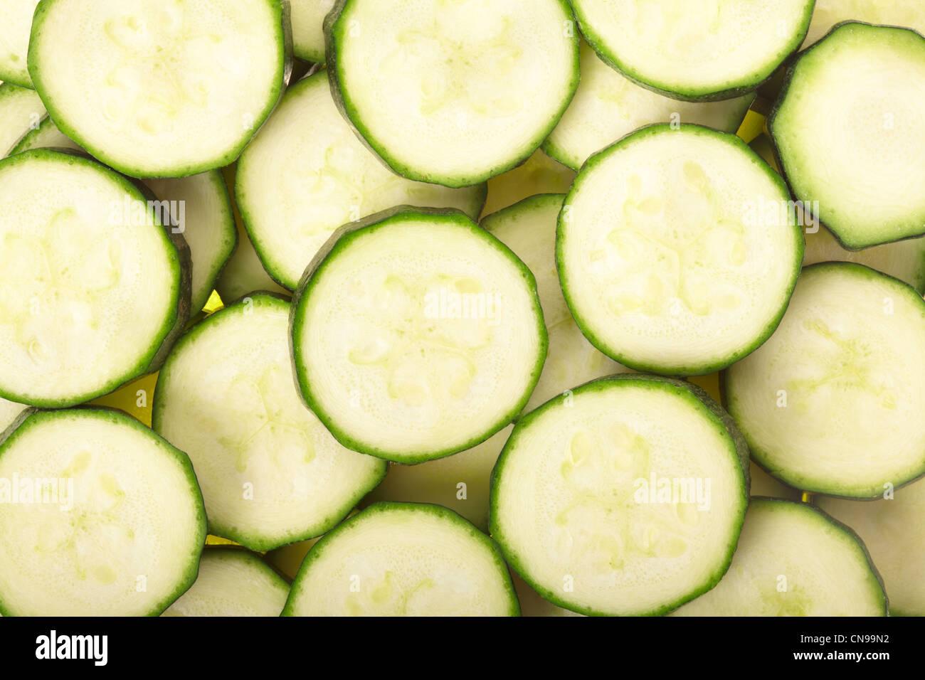 Antecedentes en rodajas de calabacín Imagen De Stock