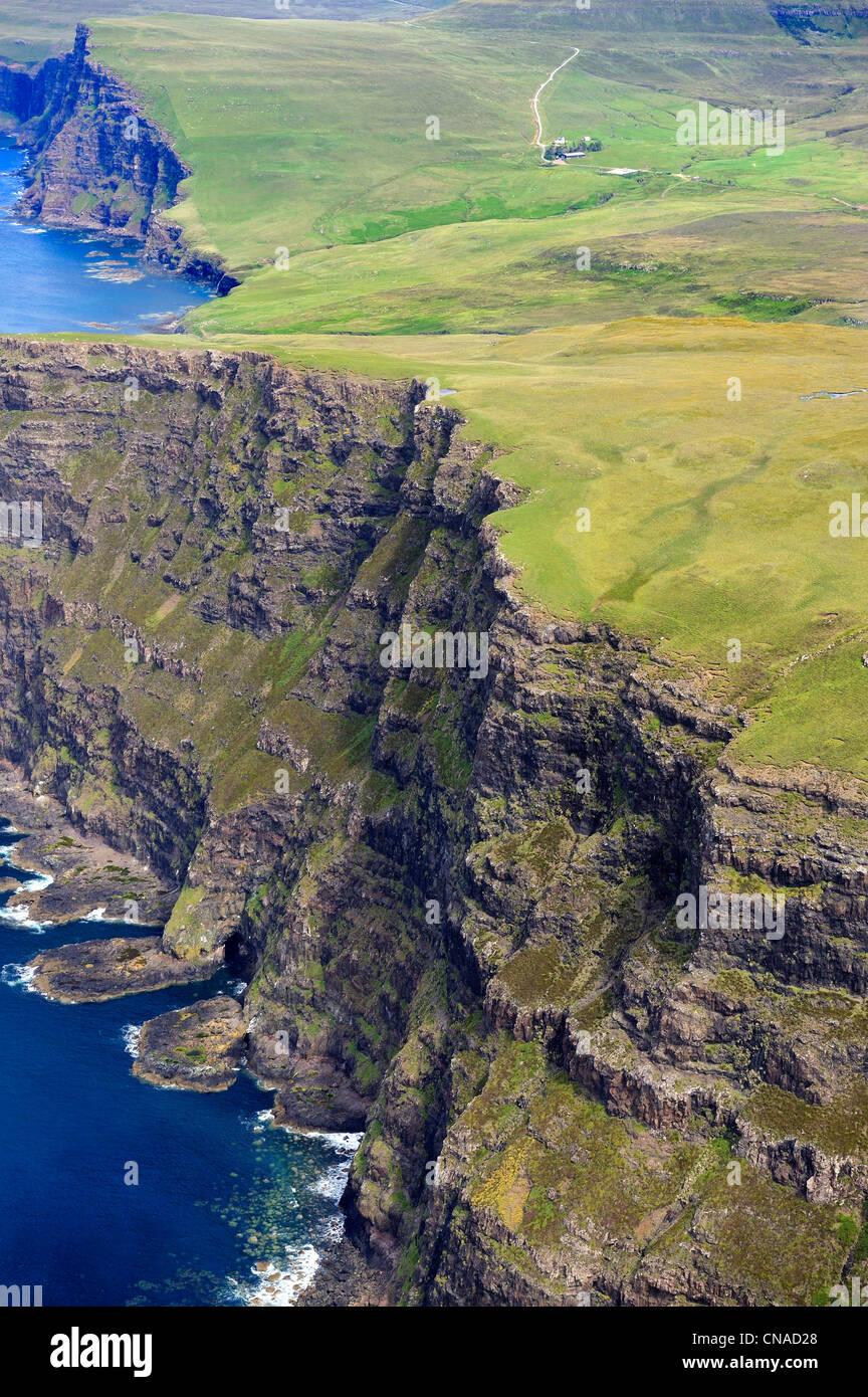 Reino Unido, Escocia, Highland, Inner Hebrides, Isla de Skye, los escarpados acantilados de la costa noroeste de Sur Ramasaig Foto de stock