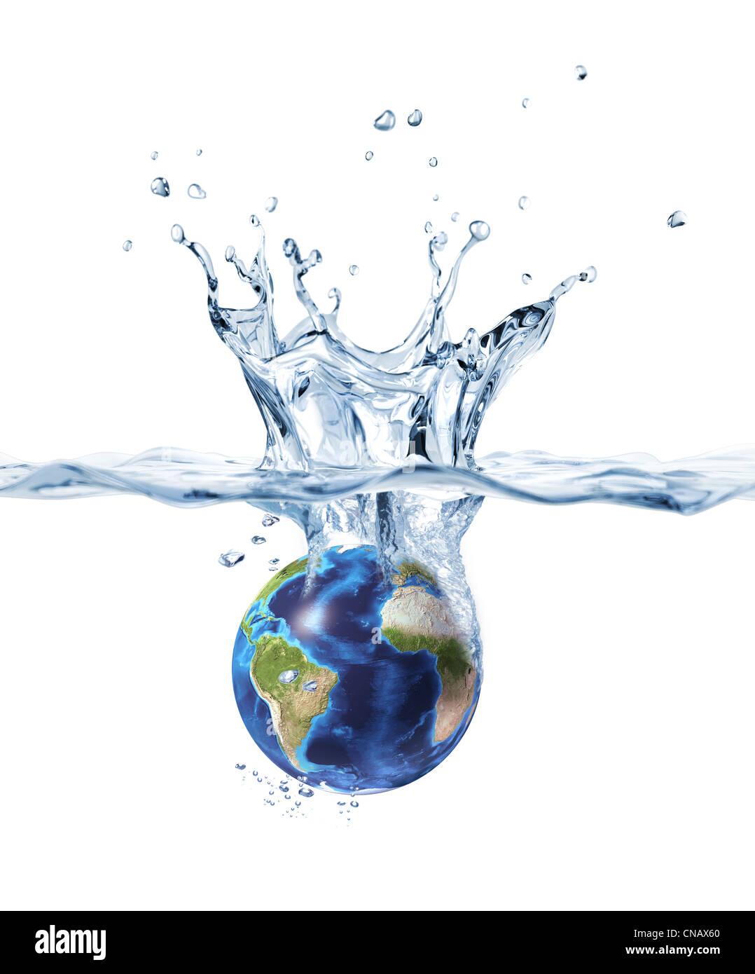 Planeta Tierra, cayendo en el agua clara, formando una corona splash. Imagen De Stock