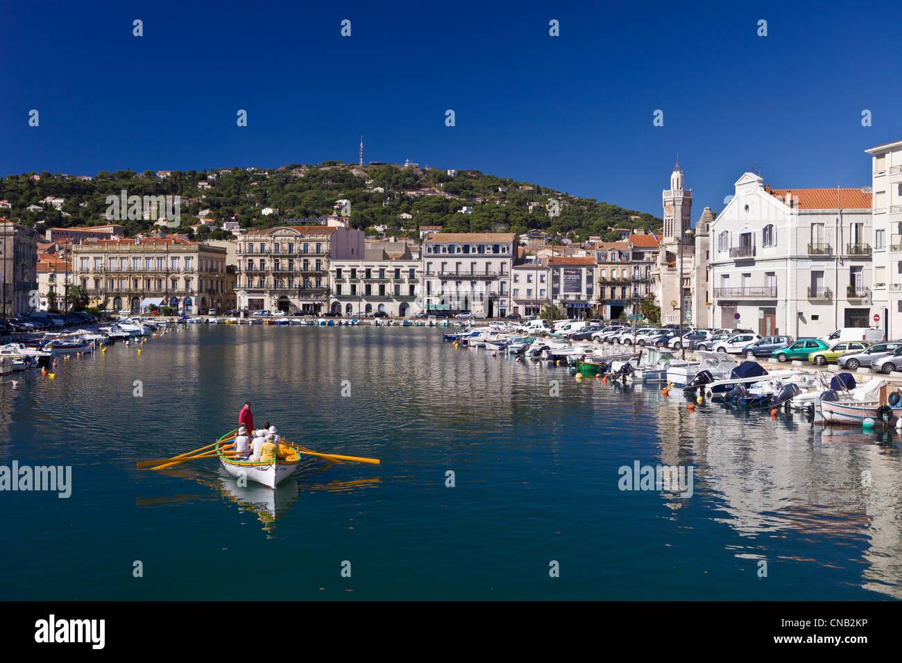 Francia, Herault, Sete, viaje en barco por el Canal real a los pies del Mont St Clair Imagen De Stock
