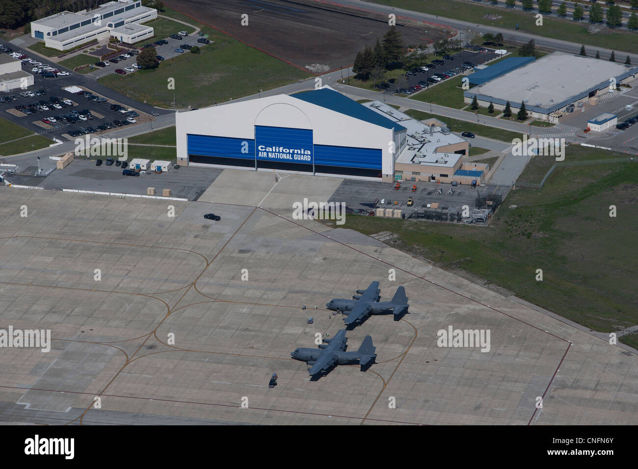 Fotografía aérea de la Guardia Aérea Nacional de California Moffett Field, Mountain View, California Imagen De Stock