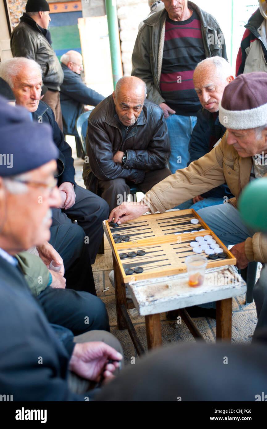 Oriente Medio Israel Jerusalen Hombres Jugando Al Juego De Mesa