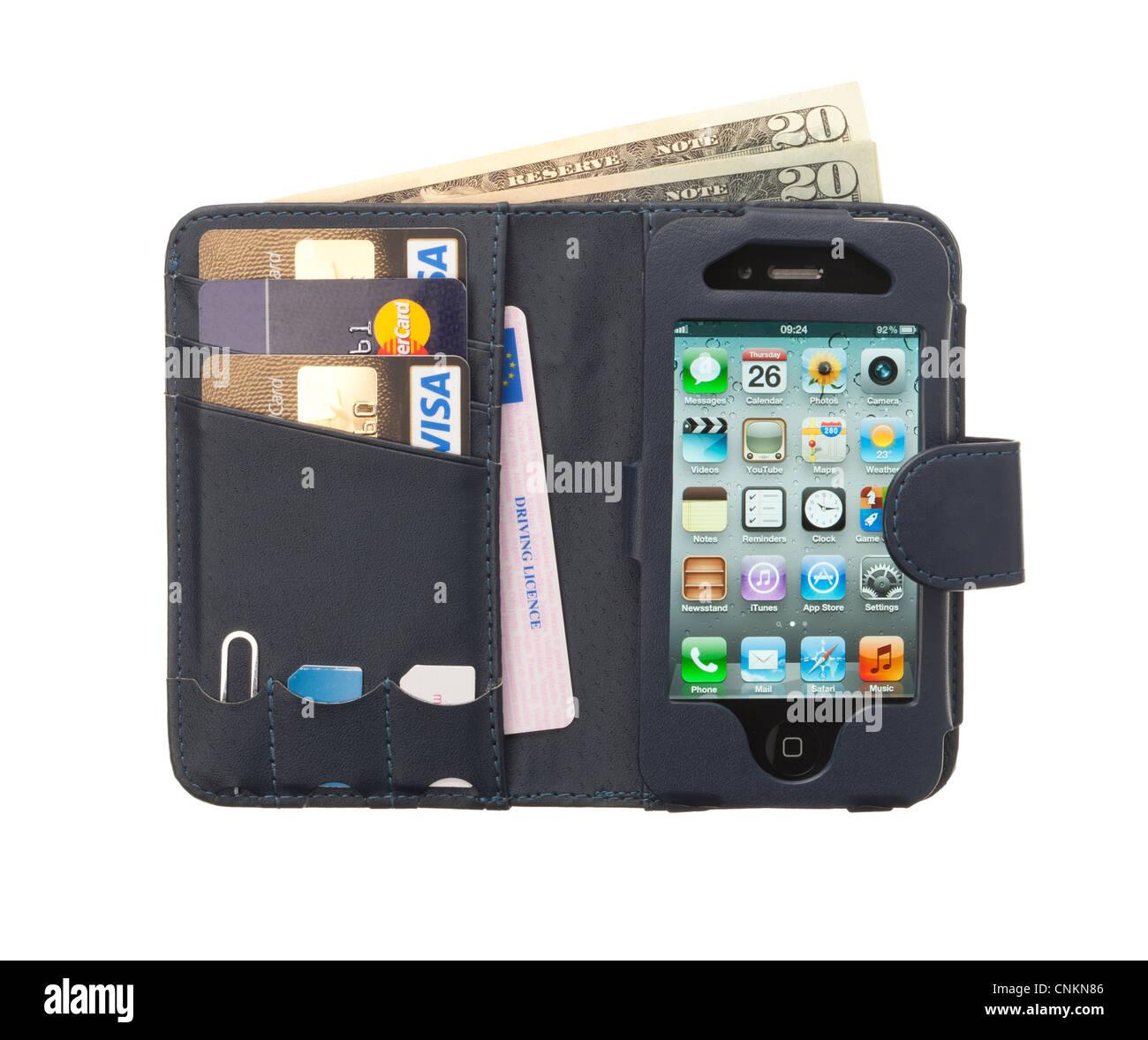 Teléfono móvil / celular funda de cuero con un Apple iphone, tarjetas de crédito y la licencia de Imagen De Stock